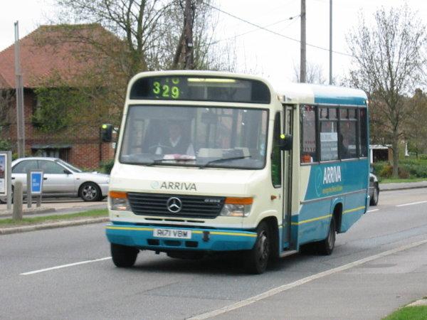 El juego de las imagenes-http://www.oxford-chiltern-bus-page.co.uk/upload040403/arriva2171-r329-Marlow.jpg