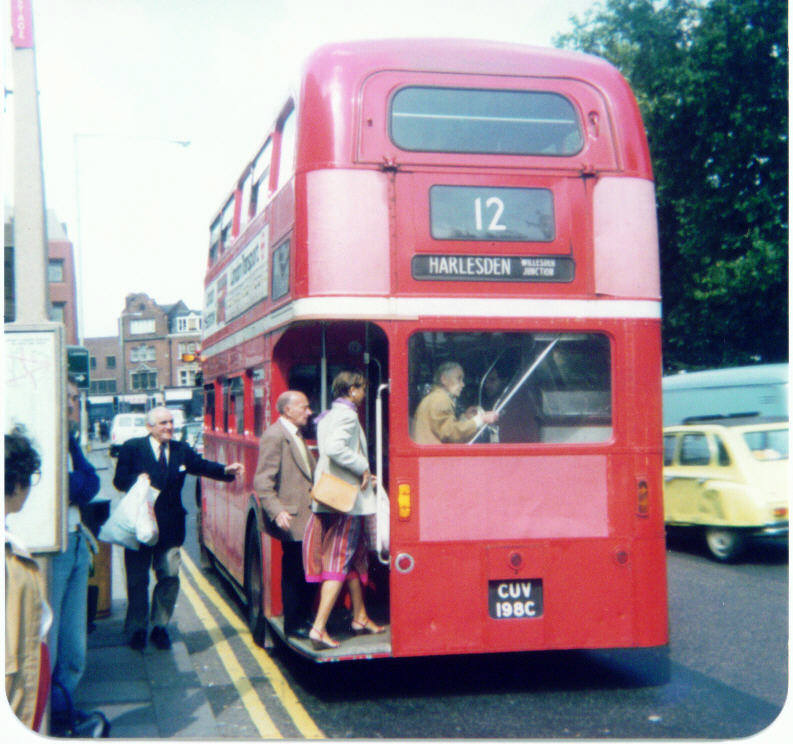 Lights The Garage London: Oxford & Chiltern Bus Page